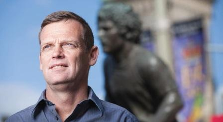 Darrell Fox continues the fight against cancer famously begun by the legendary Canadian Terry Fox more than 30 years ago