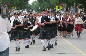 Bagpipes in their natural habitat: outside!